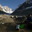 26/09 : 35 personnes au refuge d'hiver ; on bivouac au départ du glacier